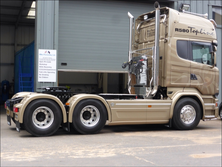 Scania Golden Griffin - Isn't she a beauty?